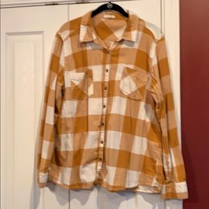 Maurice's XL Plaid Button Down